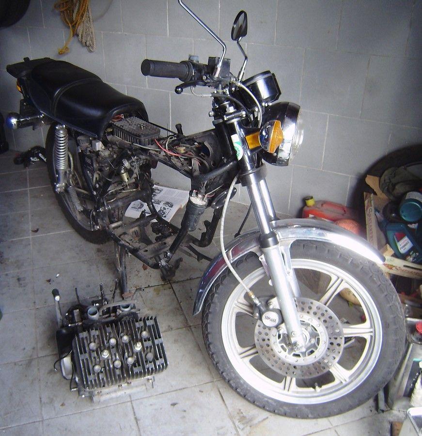 rd400_20091123_motor_raus2