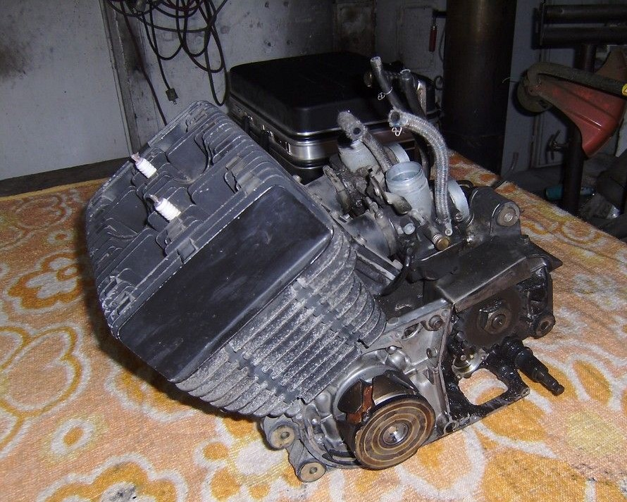 rd400_20091123_motor_raus3