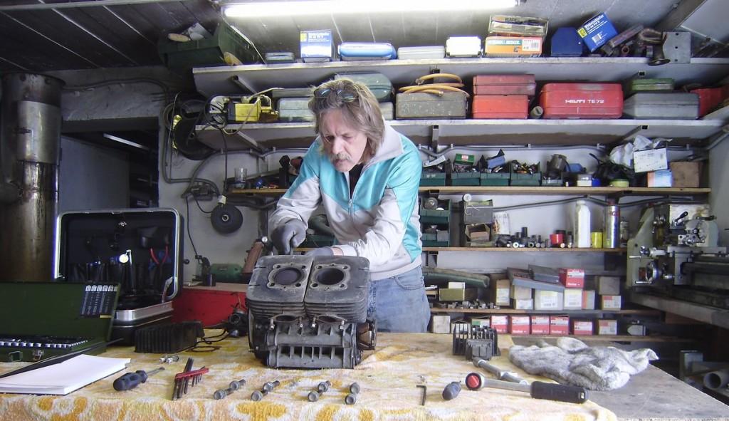 rd400_20091126_motor_zerlegen_1