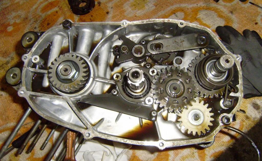 rd400_20091126_motor_zerlegen_4